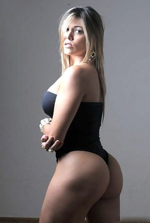 Big Ass Swimsuit Porn Pictures